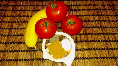 Салат из помидоров и бананов