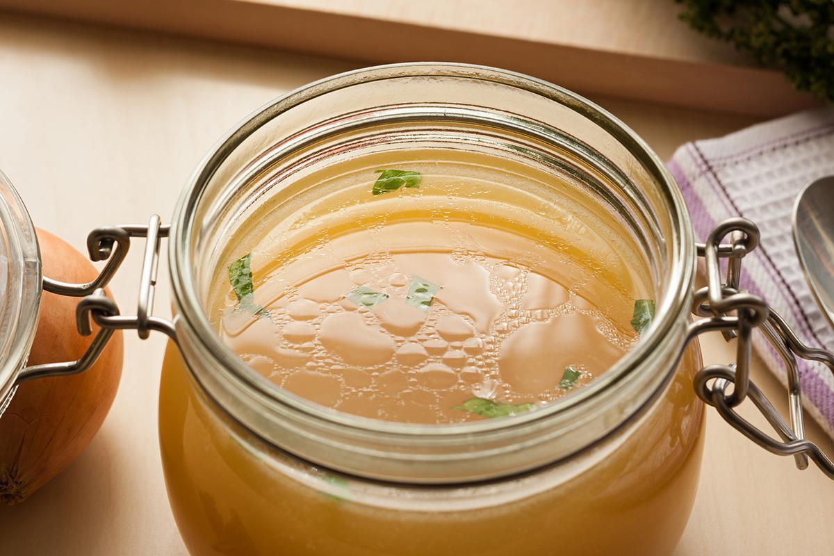 Костный бульон: полезные свойства, рецепт, противопоказания
